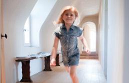 header_girl running hallway_258 x 167_tcm665-244239